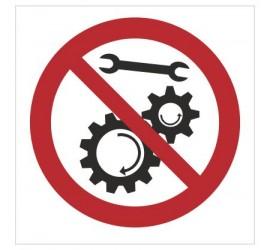 Znak zakaz naprawiania urządzenia w ruchu (643)