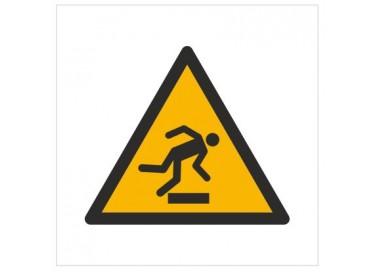 Znak ostrzeżenie przed niebezpieczeństwem potknięcia się (W07)
