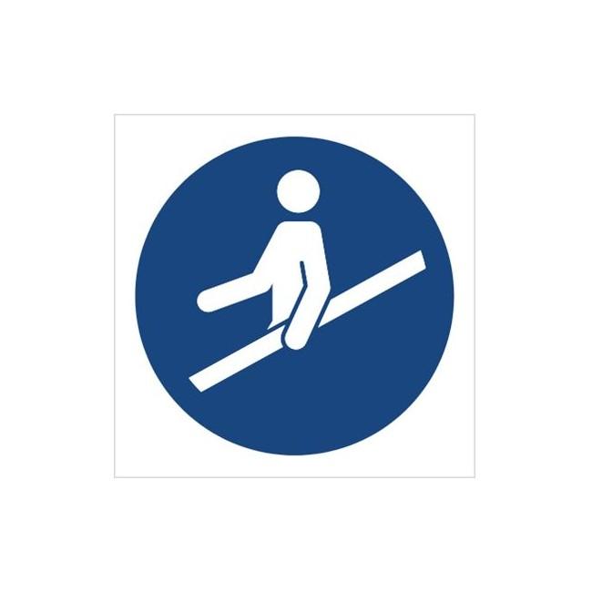 Znak nakaz używania poręczy (M12)